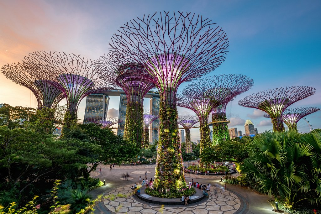 Sunset over Gardens by the bay (1/3)